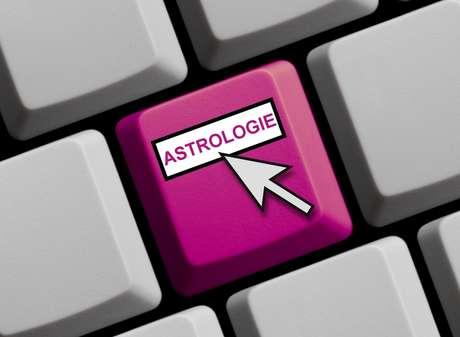 A expectativa sobre o futuro faz muita gente procurar atendimento com astrólogos nessa época do ano