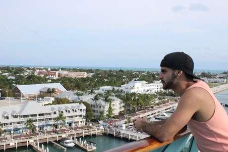 Apaixonado por praias, Vinícius aproveitou que estaria em Miami e embarcou em cruzeiro para as Bahamas