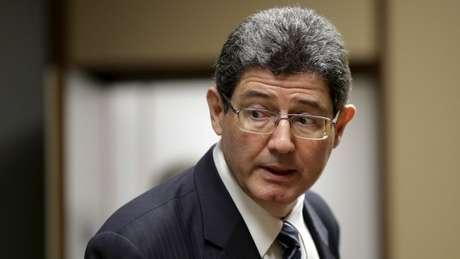 Com aprofundamento da recessão, Levy passou a ser alvo de críticas tanto do PT quanto da oposição