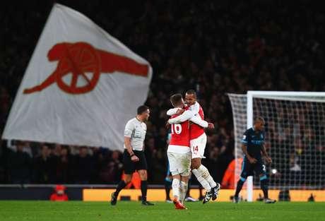 Elevar o preço dos ingressos para valorizar o sócio torcedor já foi feito pelo Arsenal há 10 anos