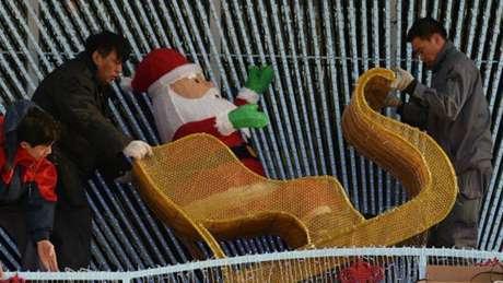 No Tajiquistão árvores de natal, comidas natalinas e fantasias de Papai Noel são proibidas