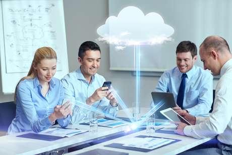 Principal obstáculo para a adoção da nuvem entre pequenas empresas está em entender seus benefícios e encontrar o balanço entre o que levar para o cloud e o que deve ser mantida internamente