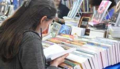 Com o Acordo Ortográfico da Língua Portuguesa, os livros devem ser publicados sob as novas regras, sem diferenças de vocabulários entre os países