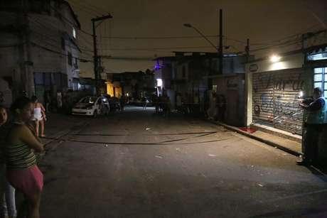 Quatro pessoas foram mortas e uma ficou ferida após ataque a um bar na rua Domingos de Abreuna no bairro da Vila Galvão, em Guarulhos, SP, na madrugada do dia 2 de janeiro.