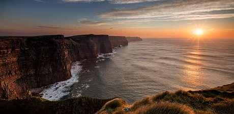 Cliffs of Moher (Falésias de Moher, em tradução literal)