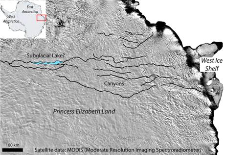 Mapa, em inglês, mostra área onde ficaria cânion oculto na Antártida