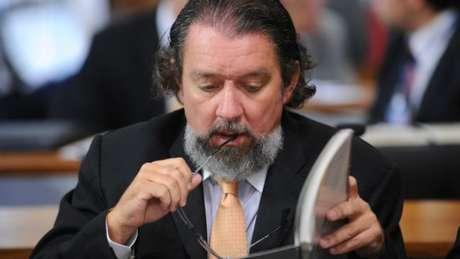 Atual advogado de Edison Lobão, Roseana Sarney, Aécio Neves, Romero Jucá, Ciro Nogueira e outros 6 investigados, Kakay também ganhou notoriedade ao defender Duda Mendonça no mensalão - marqueteiro era responsável pelas campanhas presidenciais de Lula