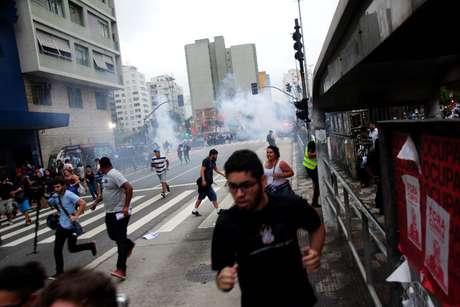Confronto com muitos feridos durante protesto de integrantes do Movimento Passe Livre (MPL), na cidade de São Paulo