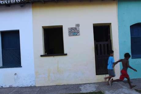 As casinhas coloridas são marca registrada da região, e são tombadas pelo patrimônio histórico