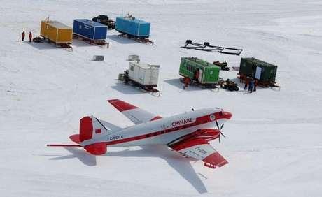 Aeronaves com sensores sobrevoam a Antártida para mapear topografia local