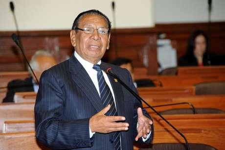 PPK condecora a estandarte de Chavín de Huántar