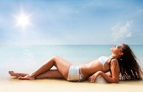O uso do protetor solar garante a proteção necessária da pele.
