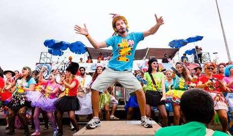 O bloco que abriu o Carnaval 2016 em São Paulo é famoso por tocar apenas músicas dos Beatles em diversos ritmos brasileiros, como samba, maracatu, afoxé e funk