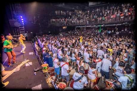 O Banga (para os íntimos) nasceu no Rio, mas logo conquistou o coração dos foliões de São Paulo trazendo um som dançante e uma linguagem poética simples