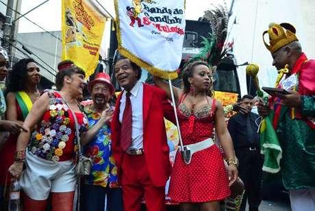 Carnaval de rua de São Paulo deve reunir 2 milhões de foliões. Na foto, a concentração do bloco de carnaval Banda do Candinho & Mulatas, no Bixiga