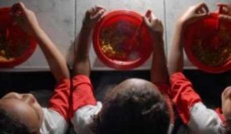 Pela lei, merenda escolar deve ter 30% de alimentos produzidos por agricultores familiares
