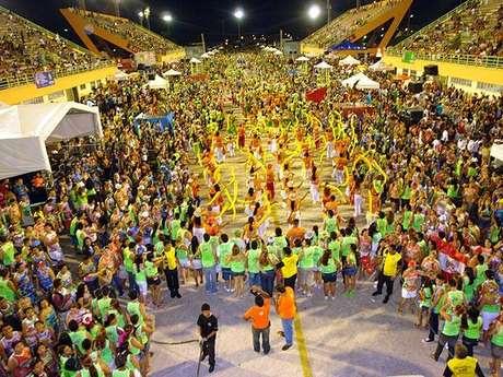 Um dos eventos mais marcantes de Manaus é o Carnaboi, que mistura a tradição indígena com a Festa de Momo. Há 12 anos, a festa atrai milhares de foliões que se divertem nas toadas do Boi-Bumbá, ritmo típico da cultura amazonense