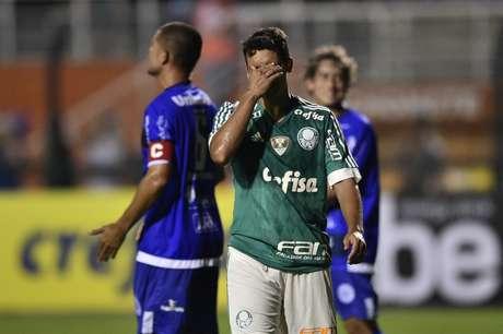 Jean fez sua estreia com a camisa do Palmeiras, mas...