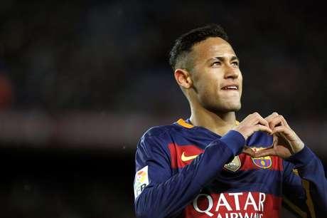 Neymar ganha R$ 200 milhões brutos por ano no Barcelona
