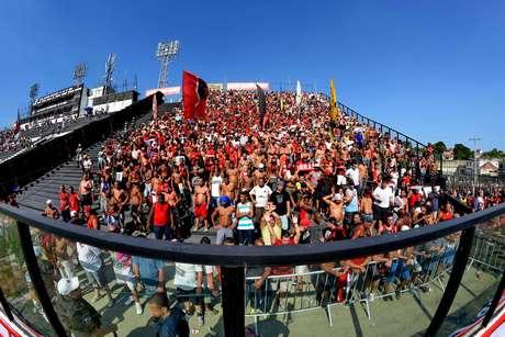 Torcida do Flamengo nas arquibancadas de São Januário
