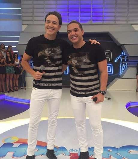 O cantor não podia deixar de registrar o momento em que Rodrigo Faro decidiu imitá-lo em um dos quadros do seu programa, com direito a peruca e look idêntico