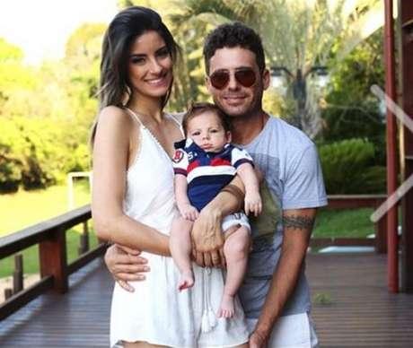 Thayra Machado é a esposa de Hudson, da dupla Edson e Hudson, e mãe do Davi. Mesmo com a recente chegada de seu bebê, a musa continua com um corpo perfeito