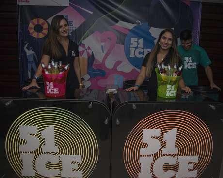 Visando mostrar ao público jovem que qualquer lugar pode virar uma balada se tiver 51 Ice, todos os visitantes receberam logo na entrada um vale da bebida