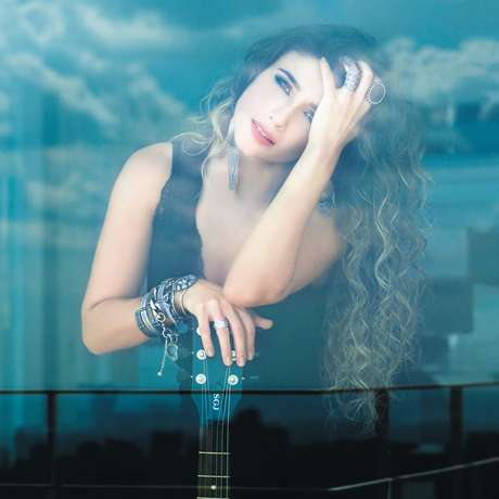 Piração, música do disco Amanhecer, é a mais tocada nas rádios brasileiras atualmente
