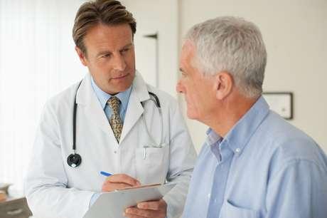 Sintomas costumam aparecer a partir dos 55 anos de idade