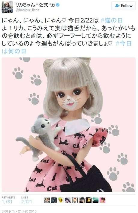 A versão japonesa da Barbie, Licca-chan, também já postou a foto com a homenagem ao Dia dos Gatos