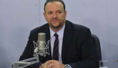O ministro da Secretaria de Comunicação Social da Presidência da República, Edinho Silva, durante entrevista no programa Bom Dia, Ministro