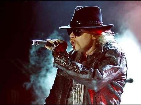 Por ora, Axl Rose, o vocalista da formação original, estaria fora da turnê, o que não significa que ele não estará presente em definitivo