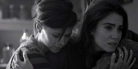 Fotograma del videoclip 'Till It Happens To You'
