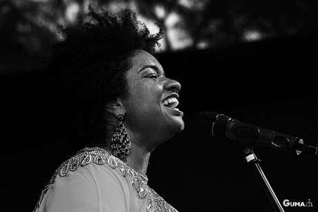 Em 2015, a bela completou 15 anos de carreira e lançou seu terceiro álbum solo, Afrofuturista, onde combina ritmos brasileiros, como samba, forró, maracatu, carimbó e afoxé