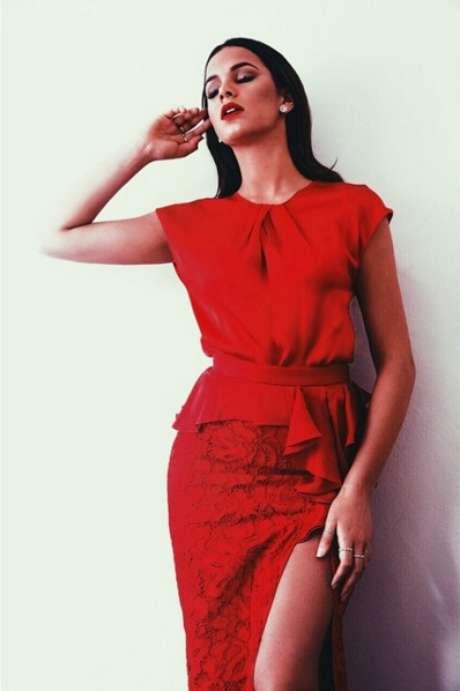 """Toda estilosa e sempre bem vestida, Bruna lidera a lista de mulheres que mais inspiraram as brasileiras em 2015. Quem disse foi o Google, ao revelar o número de vezes em que o termo """"look + Bruna Marquezine"""" foi pesquisado durante o ano"""