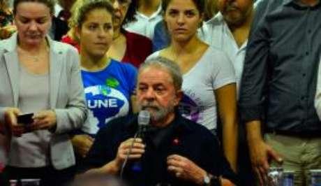 Ex-presidente Lula em entrevista no Diretório Nacional do PT em São Paulo, após depoimento à Polícia Federal no âmbito da 24ª fase da Operação Lava Jato