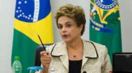 Dilma perdeu prestígio junto às camadas populares, afirma Aarão Reis