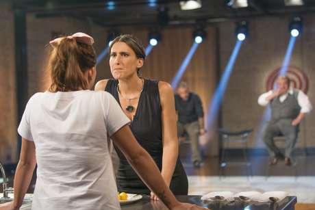 Paola prova prato de uma candidata
