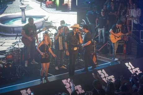 Ao lado de Thaeme e Thiago, Loubet cantou o hit Já Se Foi Setembro, presente no álbum Made in Roça
