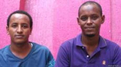 Hashed (esquerda), da Eritreia, e Ismael, da Somália, se conheceram no Panamá e viajaram junto até o México. Foto cortesia Animal Político.