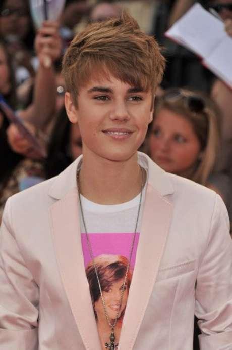 """Durante a coletiva, Usher disse: """"Desde o momento em que conheci Justin Bieber, percebi que ele estava prestes a ser bem-sucedido. Ele tinha uma essência de estrela que só se conhece uma vez na vida. O que vocês estão vendo agora é o começo de um grande futuro"""""""