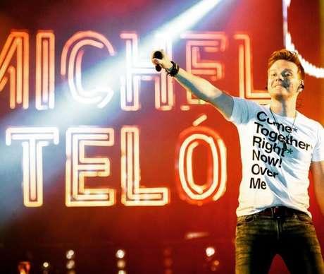 Hoje, aos 35 anos, o ídolo do Brasil já está em seu 4º DVD ao vivo, que apresenta o que formou Michel como artista
