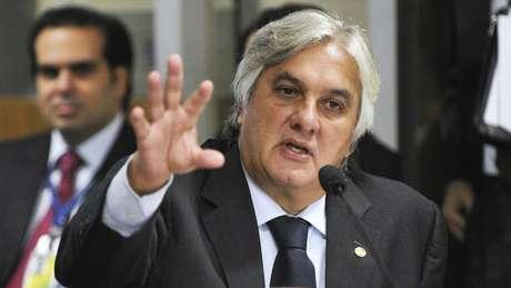 O senador ficou internado para a retirada da vesícula. Ele tem depimento marcado para o dia 19 no Conselho de Ética