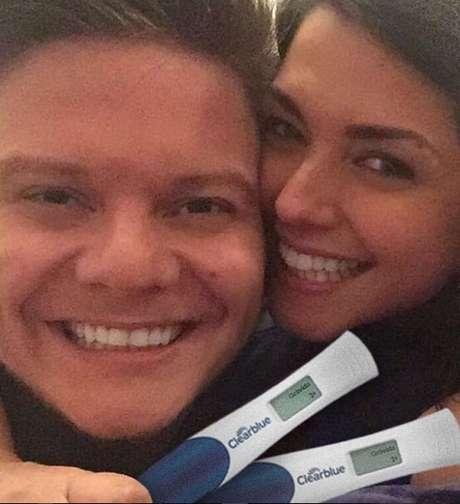 No último dia 17 de fevereiro, Michel Teló e Thais Fersoza anunciaram a gravidez da atriz nas redes sociais, confirmando a notícia que já vinha sendo especulada havia algum tempo pelos fãs do casal