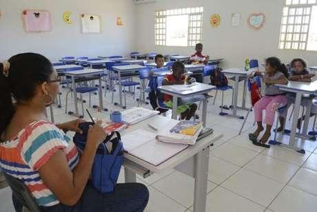 São 14 os estados que pagam aos professores menos do que os R$ 2.135,64 por mês, conforme levantamento divulgado pela CNTE