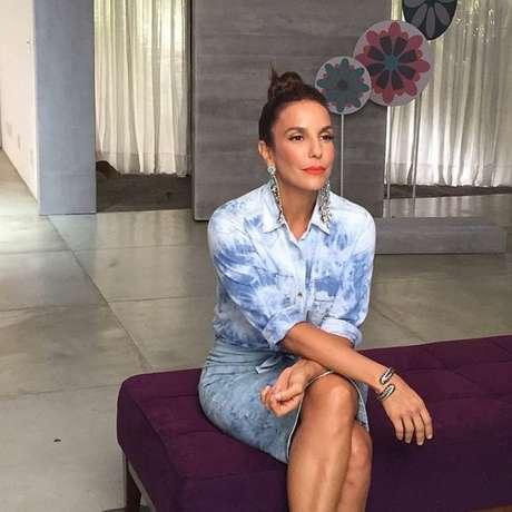 Em 2014, a cantora foi a escolhida para comandar a segunda temporada do programa o Super Bonita, exibido pelo GNT. Em entrevistas com diversos convidados, Veveta compartilhou dicas e segredos de beleza com o público