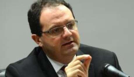 O ministro da Fazenda, Nelson Barbosa, diz que estão sendo adotadas medidas para garantir a manutenção de programas sociais