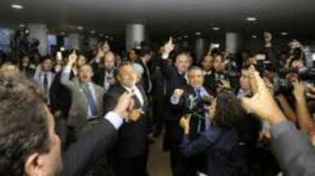 Protocolo de pedido da OAB foi precedido por discussões entre pessoas simpatizantes e contrárias ao impeachment