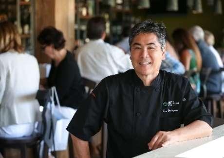 Chef Roy Yamaguchi terá restaurante pan-asiático a bordo de novo cruzeiro