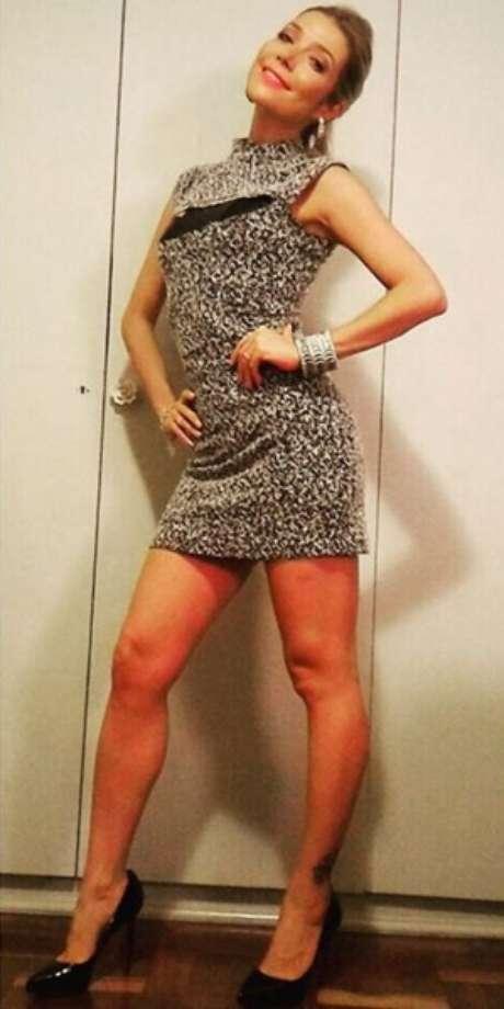 A cantora de MPB mais cobiçada dos últimos tempos, arrasa nas redes sociais com looks que valorizam seu corpo